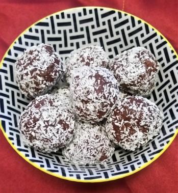 raw-chocolate-protein-ball